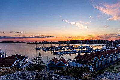 Sunset at the seaside - p393m1115426 by Manuel Krug