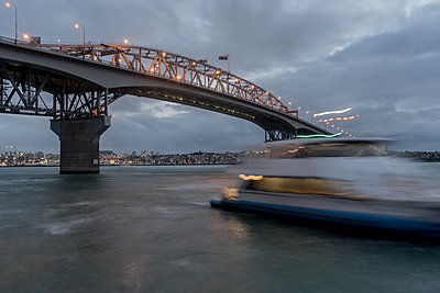 Auckland Harbour Bridge - p1369m1496118 by Chris Hooton