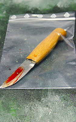 Mordwaffe - p4500010 von Hanka Steidle