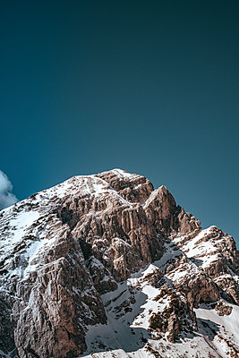 Mountain Range in Kranjska Gora on a beautiful day - p1455m2077120 by Ingmar Wein