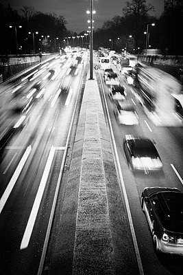 Traffic freeway congested busy motorway rush hour - p609m1534424 by WRIGHT