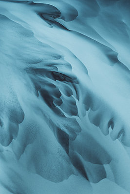 Glacial river as seen from above - p1634m2210338 by Dani Guindo