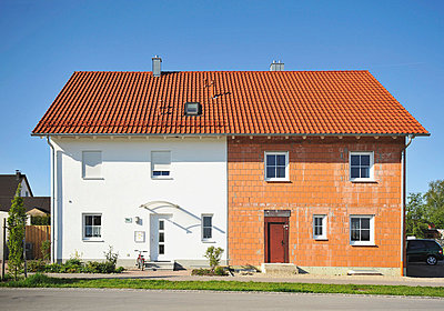 Semi-detached house with one half incomplete - p4737843f by STOCK4B-RF