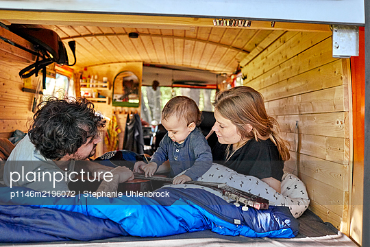 Family holiday in the mobile home - p1146m2196072 by Stephanie Uhlenbrock