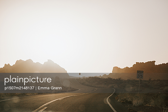 Road to the sun - p1507m2148137 by Emma Grann