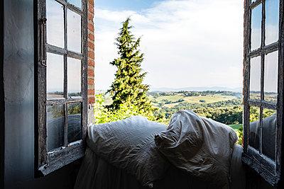 Blick auf die Pyrenäen - p117m2031522 von Katja Nitsche