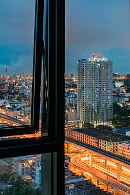 Thailand, Bangkok in the evening - p728m2206020 by Peter Nitsch