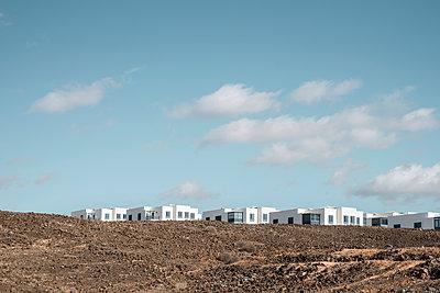 Typisch kanarische Vorstadtsiedlung in Arrecife - p1162m1541708 von Ralf Wilken