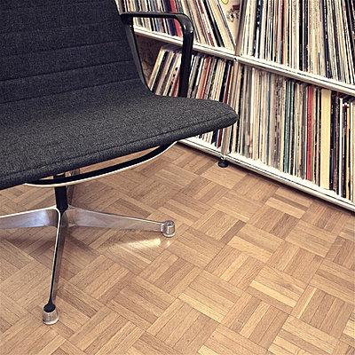 Parquet floor - p9111450 by Gaëtan Rossier