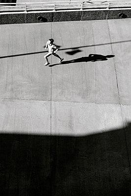 Running away - p1245m1043407 by Catherine Minala