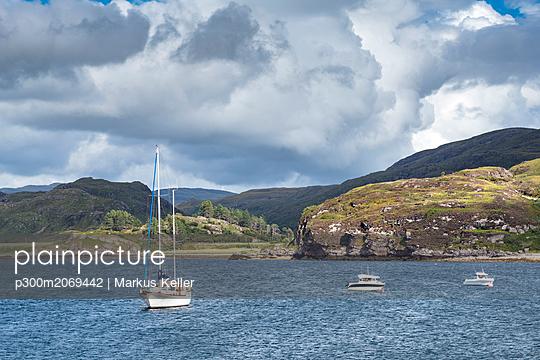 United Kingdom, Scotland, Sutherland, Caithness, Loch Kanaird - p300m2069442 by Markus Keller
