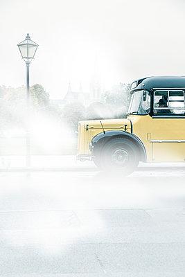 Alter Postbus in Wien - p1243m1154849 von Archer