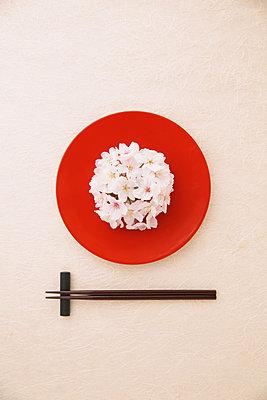 Japanese confectionery - p307m976712f by Naho Yoshizawa