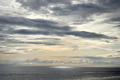 Abendhimmel am Meer - p1124m1491939 von Willing-Holtz