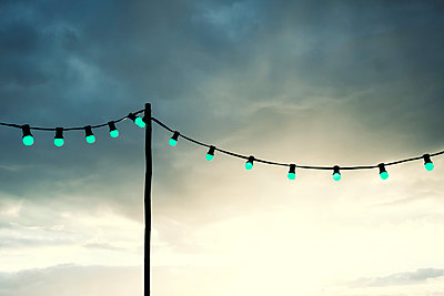 Fairy lights in the evening - p879m1538010 by nico