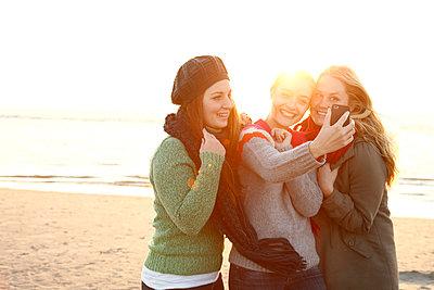 Selfie - p981m952247 by Franke + Mans