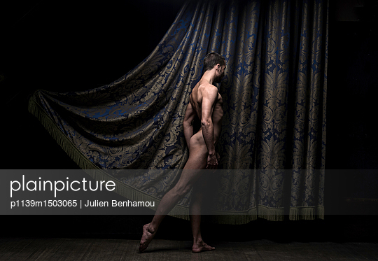 Naked male dancer - p1139m1503065 by Julien Benhamou
