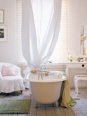 A white bathroom Sweden. - p312m1076869f by Mikael Dubois