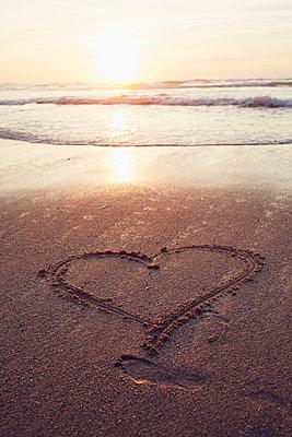 Honeymoon - p464m1123950 by Elektrons 08