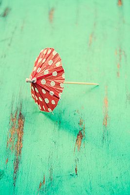 Red cocktail umbrella  - p794m2064310 by Mohamad Itani