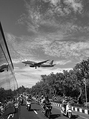 Flugzeug - p887m1124803 von Christian Kuhn