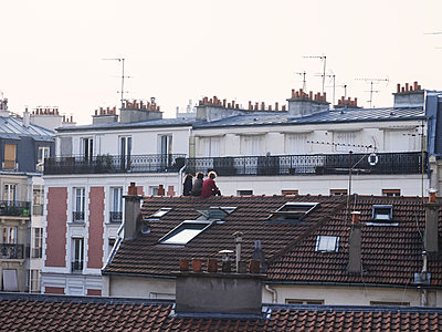On a roof during Covid-19  - p1499m2185830 by Marion Barat
