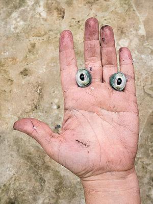 Squid eyes - p1021m2173362 by MORA