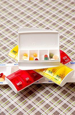 taking medikaments - p382m1185313 by Anna Matzen