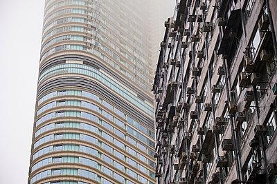Facades, Kowloon, Hong Kong, China - p300m2121693 by Michael Reusse (alt)