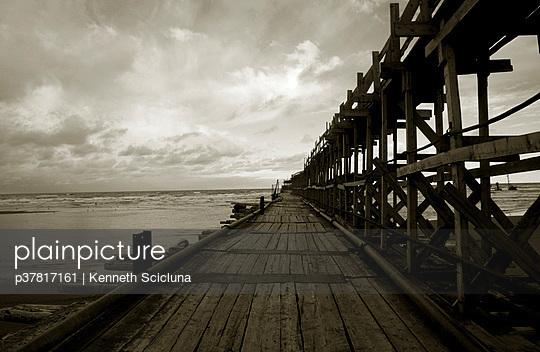 p37817161 von Kenneth Scicluna