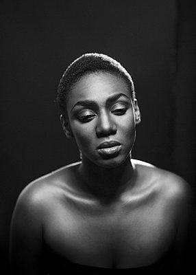 Portrait of a young woman - p1323m1158770 by Sarah Toure