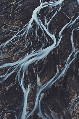 Glacial river as seen from above - p1634m2210381 by Dani Guindo