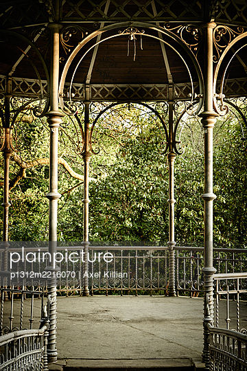 Deserted pavillion in a park - p1312m2216070 by Axel Killian