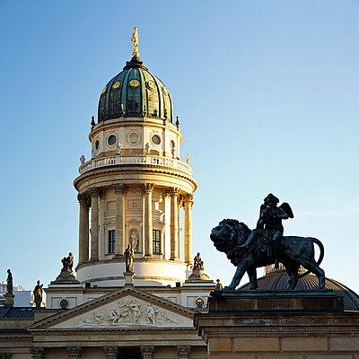 Deutscher Dom am Gendarmenmarkt - p606m881711 von Iris Friedrich