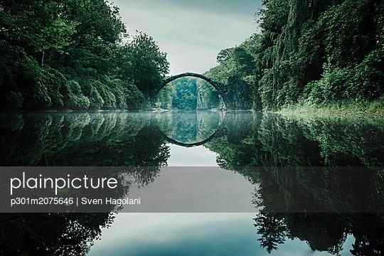 p301m2075646 von Sven Hagolani