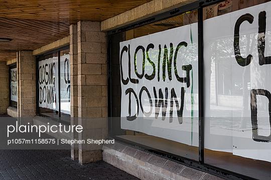 Pleite - p1057m1158575 von Stephen Shepherd
