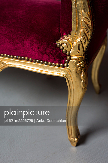 Antique red sofa - p1621m2228729 by Anke Doerschlen