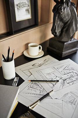 Architekten Büro Arbeitsplatz - p390m1050203 von Frank Herfort