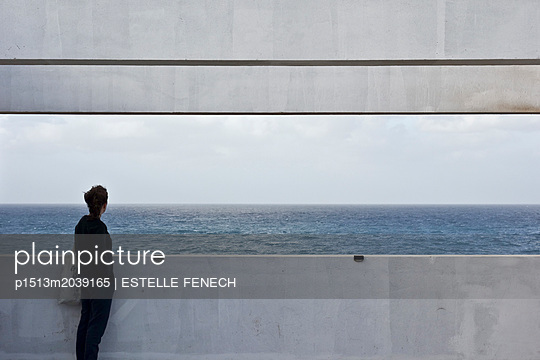 Meditation on the horizon - p1513m2039165 by ESTELLE FENECH