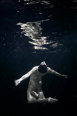 Underwater dancer - p1554m2158702 by Tina Gutierrez