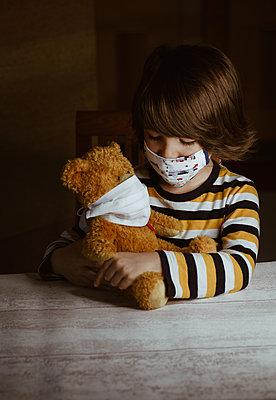 Child during 2020 pandemic - p1623m2222154 by Donatella Loi