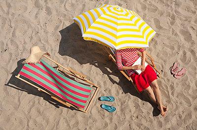 Strandlektüre - p454m1056226 von Lubitz + Dorner