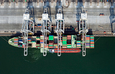 Container shipping - p3560119 by Stephan Zirwes