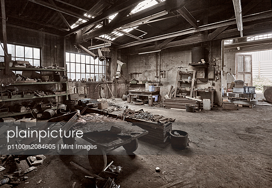 Empty dilapidated casting metalwork workshop,Bonn, Bonn, Germany - p1100m2084605 by Mint Images