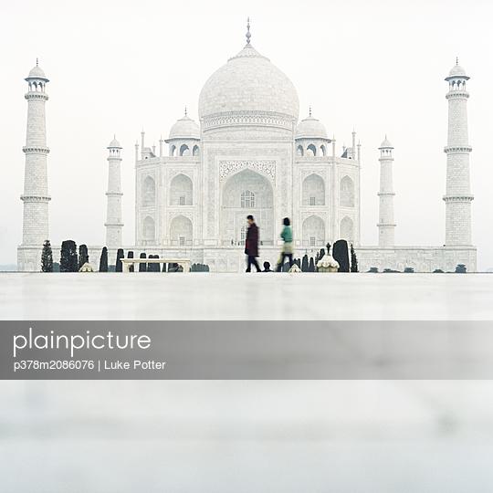 India Taj Mahal - p378m2086076 by Luke Potter