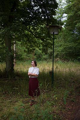 Im Wald - p502m933906 von Tomas Adel
