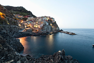 Manarola in the early morning - p1383m1511308 by Wolfgang Steiner