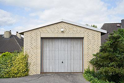 Garage - p1198m2296411 by Guenther Schwering