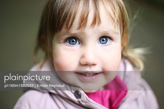 Kinderporträt - p1160m1582533 von Emilie Reynaud