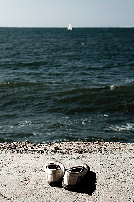 Shoes on the beach - p7720001 by bellabellinsky